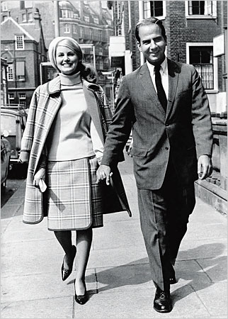 Trillin with his wife, Alice, in 1965. Trillin chronicled their long and happy marriage in a memoir, About Alice, that was published in 2006 and dedicated to their grandchildren.