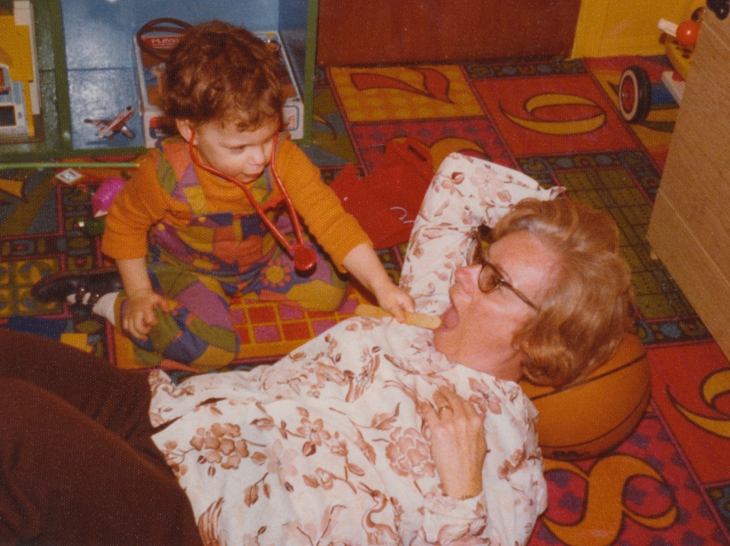 Lisa Drayer playing doctor with her grandmother, Edie Cooper, on Long Island in the 1970s. By the time Lisa was born, Edie had retired from her job as an administrative assistant at a chocolate factory.