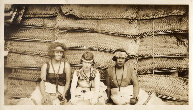 Margaret Mead around 1926 in Samoa with two of the women she was studying. Photo from the Library of Congress.